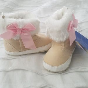 Other - Bow knot fur boot